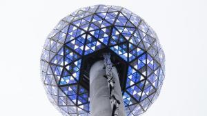 la-na-nn-times-square-ball-new-years-eve-20131-001